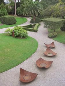 Escultura-jardines-Museo-Evaristo-Valle